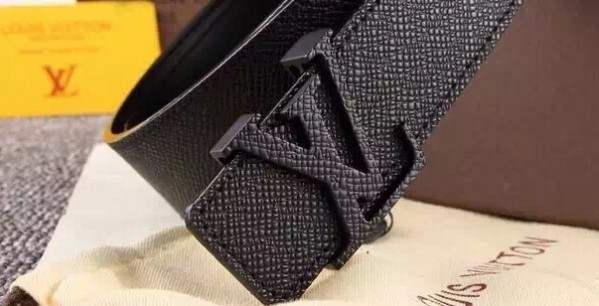 Louis Vuitton Initiales Belt Taiga Leather M6897T