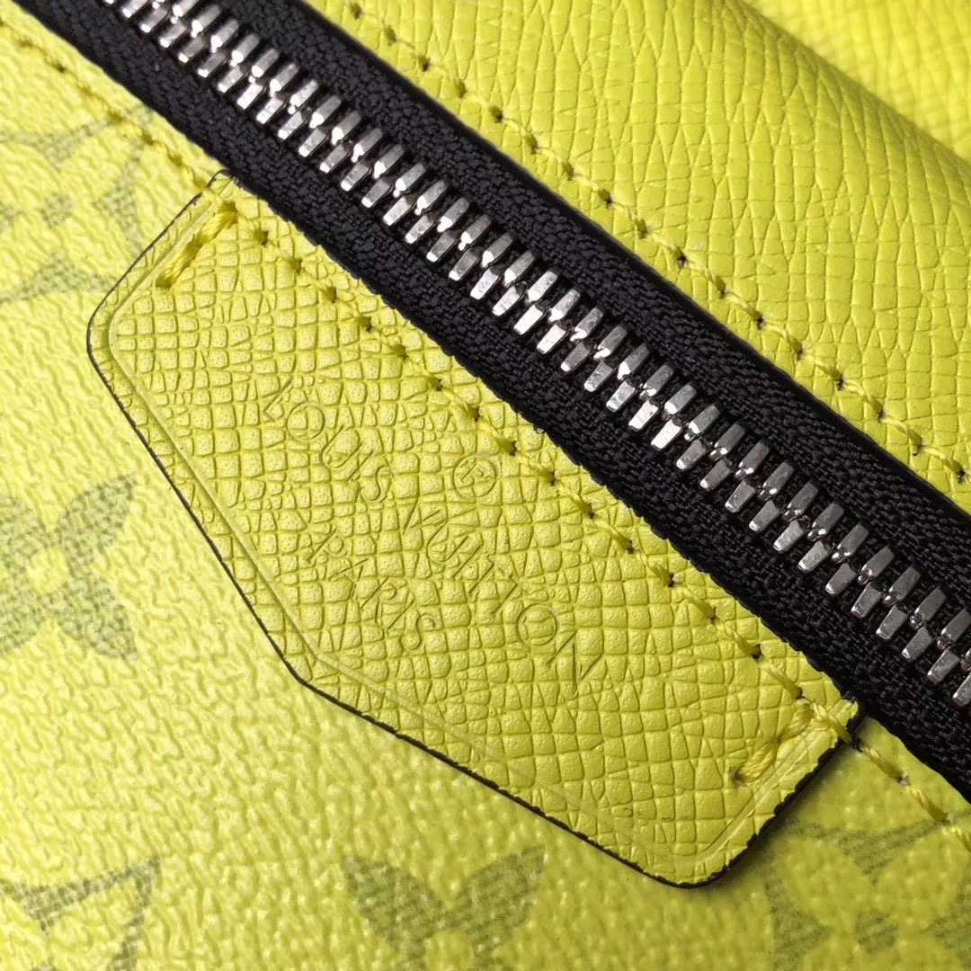 louis vuitton Outdoor Bumbag yellow in taiga leather M30251 bag