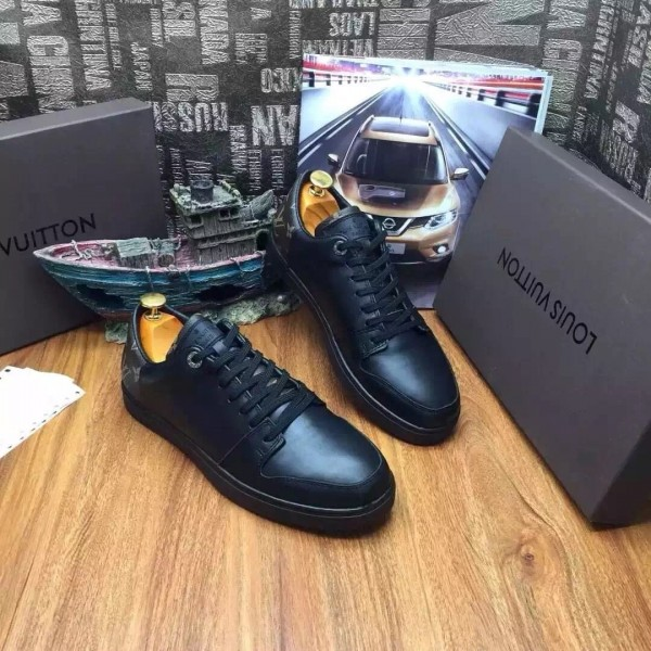 Louis Vuitton Men Line Up Sneaker