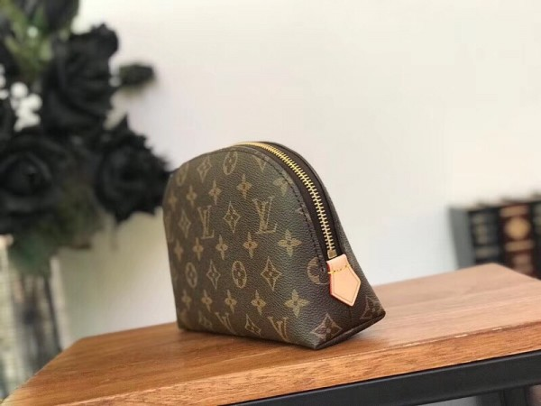 Louis Vuitton Cosmetic Pouch GM Monogram Canvas M47353